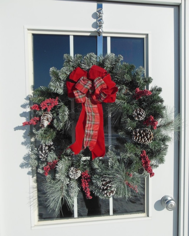 The barn door wreath - Happy Holidays!